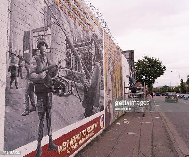 Wandbild der West Belfast Taxi Fahrer an der falls Road