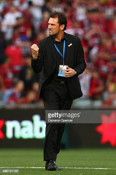 Wanderers coach Tony Popovic celebrates winning the round seven ALeague match between Western Sydney Wanderers and Wellington Phoenix at Pirtek...