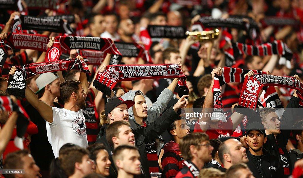 A-League Rd 1 - Western Sydney v Brisbane : News Photo
