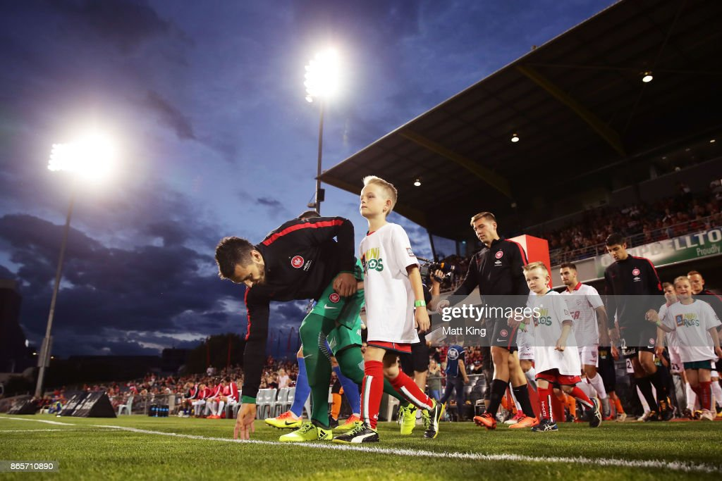 Wanderers goalkeeper Vedran Janjetovic takes to the pitch during the FFA Cup Semi Final match between the Western Sydney Wanderers and Adelaide United at Campbelltown Sports Stadium on October 24, 2017 in Sydney, Australia.