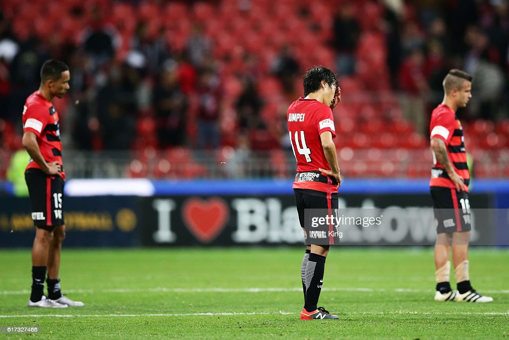 A-League Rd 3 - Western Sydney v Newcastle : News Photo