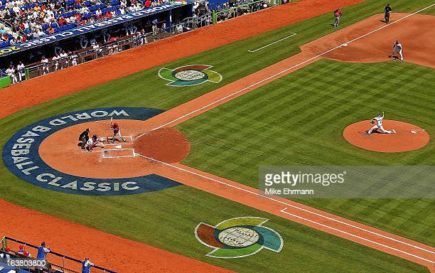Wandy Rodriguez of the Dominican Republic pitches during a World Baseball Classic second round game against Puerto Rico at Marlins Park on March 16...