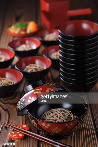wanko-soba - 蕎麦 ストックフォトと画像