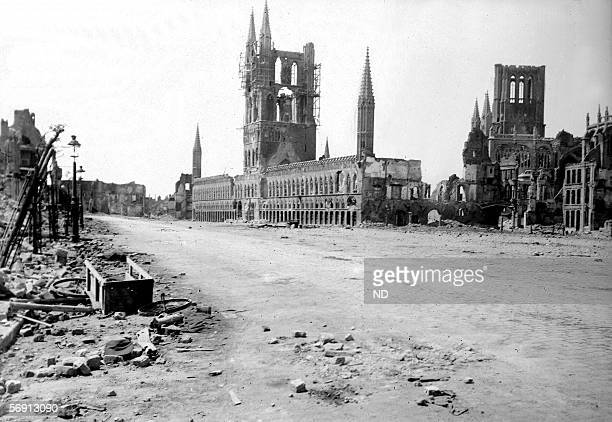 War 19141918 Ypres's ruins On the left the Halles On the right the Cathedral SaintMartin