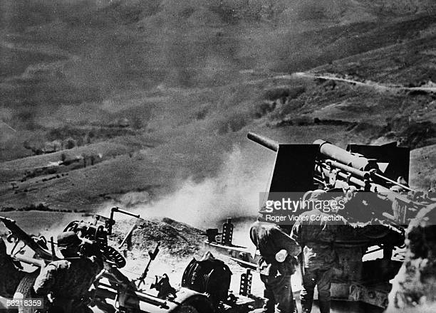 War 19391945 Front de Greece Heavy artillery of the Waffen SS shooting at Greek troups