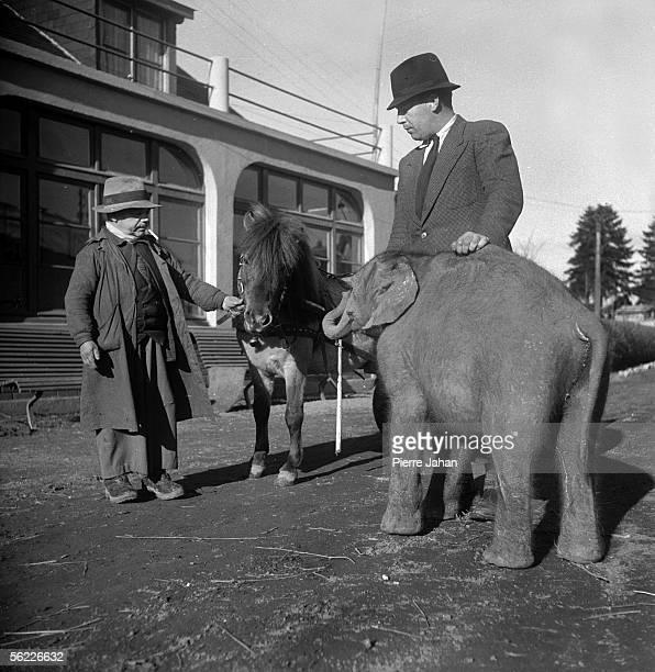 War 1939-1945. Occupation. The circus Amar put away in a farm near Blois , 1941.