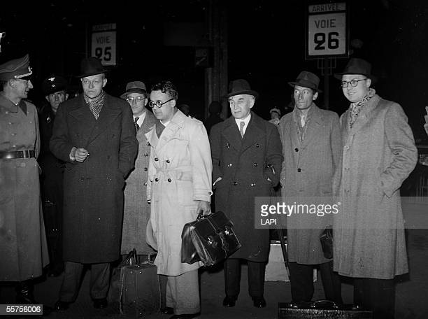 War 19391945 Return of Germany of the writers francais From left to right lieutenant Gehrard Heller Pierre Drieu La La Rochelle Georg Rabuse Robert...