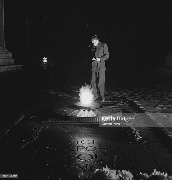 War 19391945 Tomb in the unknown Soldier Paris