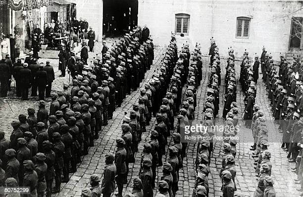 War and Conflict Spain Pre Spanish Civil War pic 16th December 1930 Troops of the Royal Regiment which guard the Royal Family and Palace in Madrid...
