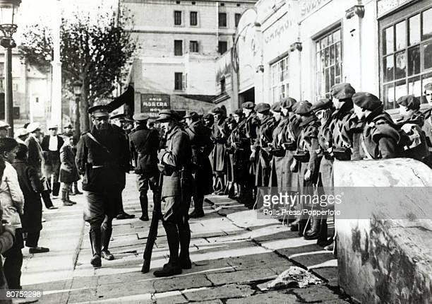 War and Conflict Spain Pre Spanish Civil War pic 22nd December 1930 A patrol of soldiers on guard in Barcelona following an attempted coup in Madrid...