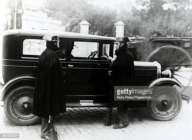 War and Conflict, Spain, Unrest, pic: 22nd December 1930, Civil Guards questioning the driver of a motor car entering Barcelona at the time when...