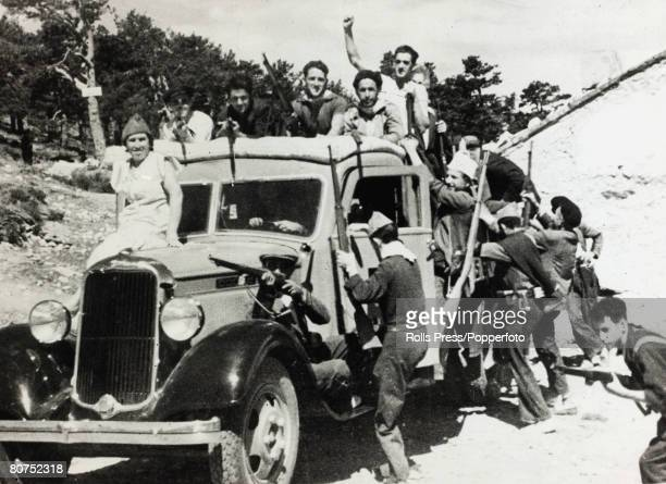 War and Conflict Spanish Civil War pic 30th July 1936 Men and women volunteers of the Popular Front leaving for the Guadarrama front to fight the...