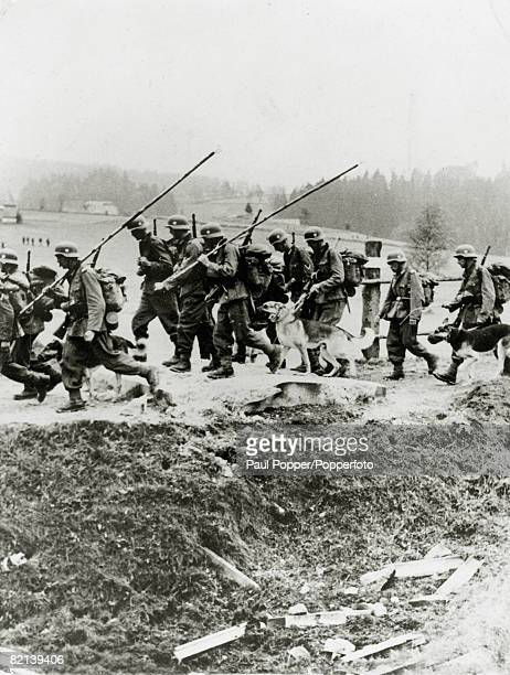 War and Conflict, The invasion and occupation of Czechoslovakia, pic: circa1938, German troops crossing the border into Czechoslovakia, Adolf's...