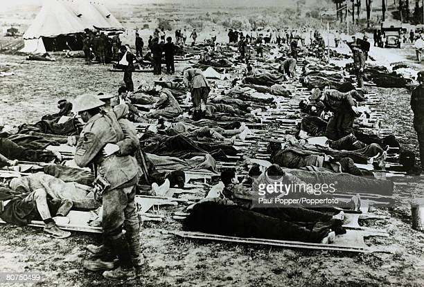 War and Conflict World War I pic 1916 A British field dressing station on the Somme France