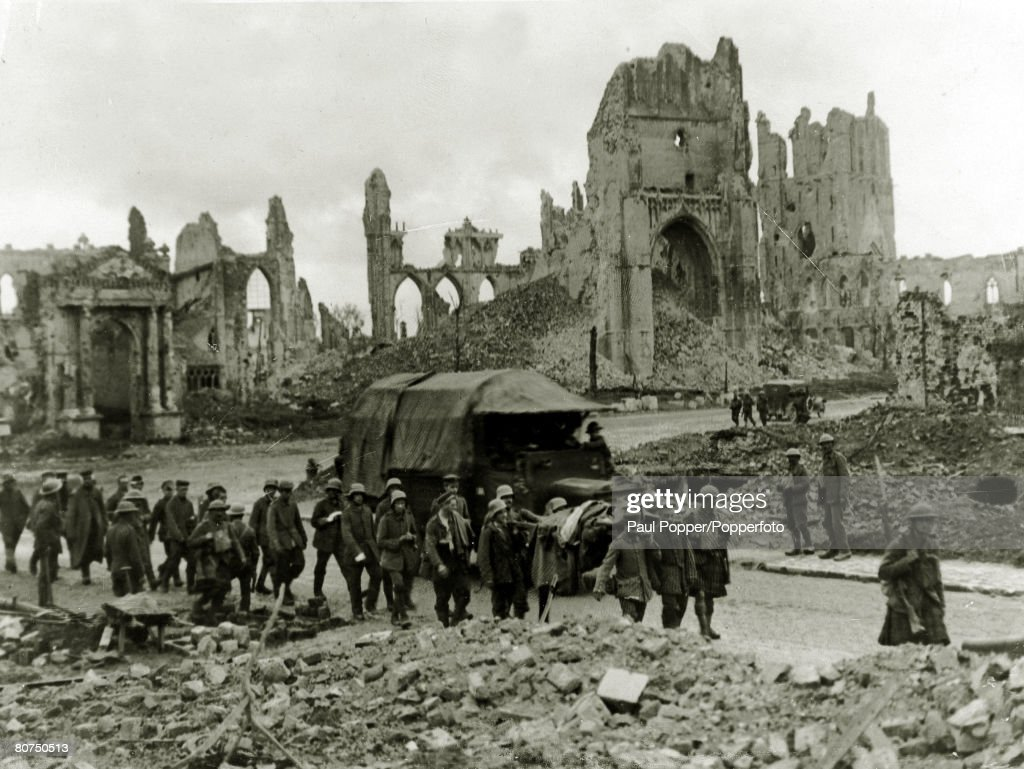 War and Conflict, World War I, (1914-1918) Western Front, Belgium, German prisoners being marched through devastated Ypres after an attack from South African, Australian and British troops