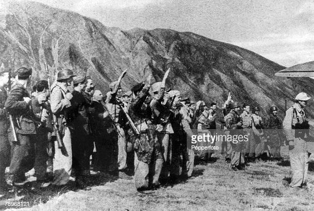 War and Conflict, World War II, 16th October 1943, The German paratroops who carried out the rescue of Benito Mussolini escaping to freedom from his...