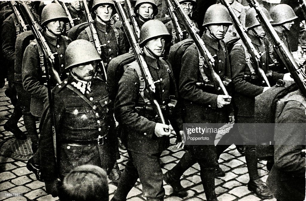 War and Conflict, World War II, Germany invades Poland, pic:August 1939, Polish troops marching up to the frontier with Germany shortly before the outbreak of hostilities