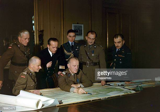 War and Conflict World War II Great Britain pic November 1942 General Sikorski of Poland pointing to the map pictured with his staff From lr...