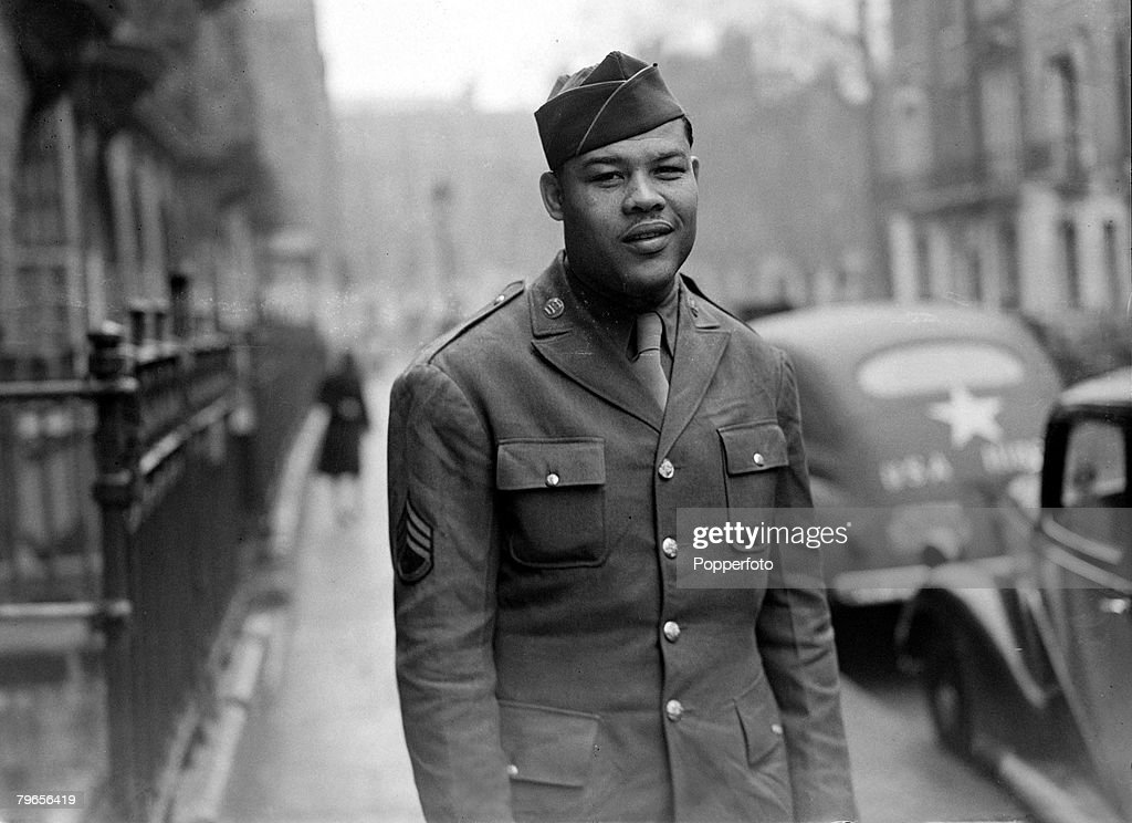 War and Conflict, World War II, Sport, pic: 11th April 1944, Sergeant Joe Louis, the American World Heavyweight Boxing Champion pictured while serving with US, forces in London