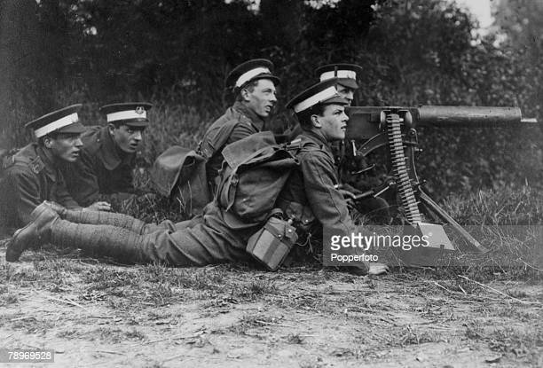 War and Conflict, World War One, People, pic: circa 1915, England, British troops training with a Maxim gun