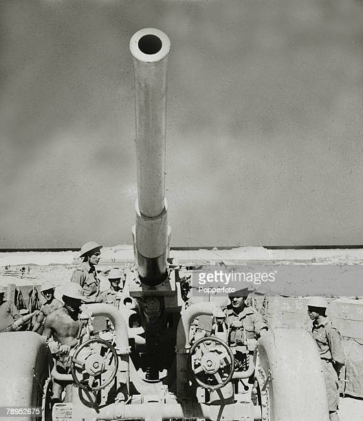 War and Conflict World War Two North Africa pic circa 1943 The crew of a British antiaircraft gun in the western desert