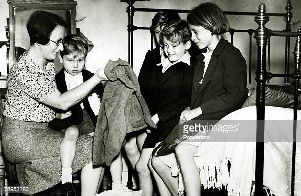 War and Conflict, World War Two, pic: Circa September 1939, Evacuees / Britain, Child evacuees pictured at their new home at Great Missenden,...