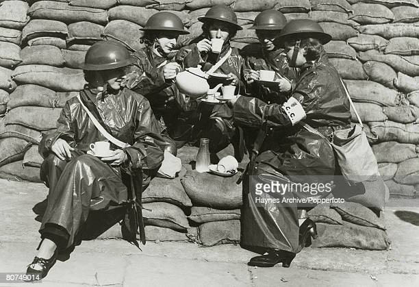 War and Conflict, World War Two, pic: September 1939, Great Britain, Members of the London County Council Auxiliiary Ambulance Service enjoy a tea...