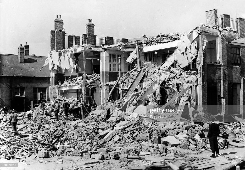War and Conflict. World War Two. pic: September 1940. London. A scene of devastation at South Hallsville Road School, Canning Town (West Ham) after a German air raid had passed over on the night of 10th September 1940. The school took a direct hit from a  : News Photo