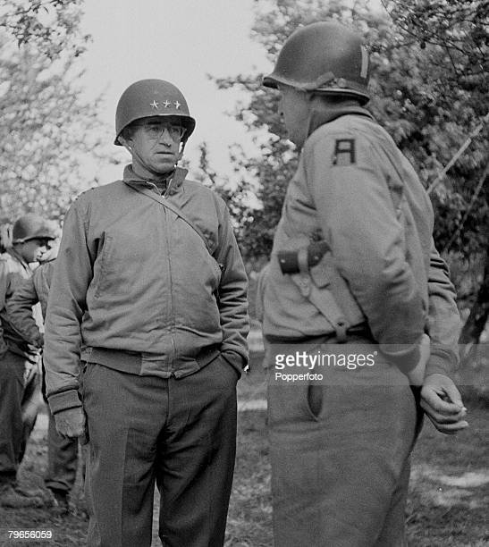 War & Conflict, World War Two, France, June 20th 1944, American Lt, General Omar Bradley enjoys a joke with a war correspondent after holding his...