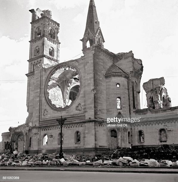 War destructions in Berlin Charlottenburg The bombed Kaiser Wilhelm Memorial Church Photographer Ernst Hahn