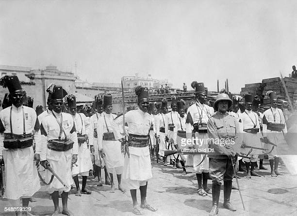 War Italy Ottoman empire members of a regiment 1100 Ackari who have fought for the Italian king in the war against the Turks um 1911 Photographer...