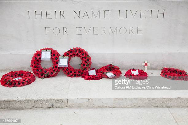 war memorial, designed by sir edwin lutyens, bearing the names of 73,367 british and south african soldiers who died between july 1915-march 1918 during the first world war, thiepval, somme, france - チープヴァル ストックフォトと画像