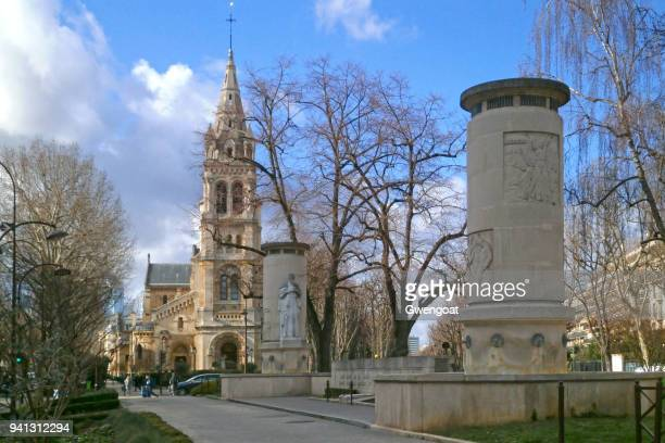 war memorial in neuilly-sur-seine - gwengoat stock pictures, royalty-free photos & images