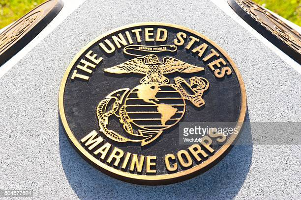 war memorial plaque united states marine corps - us military emblems stock pictures, royalty-free photos & images