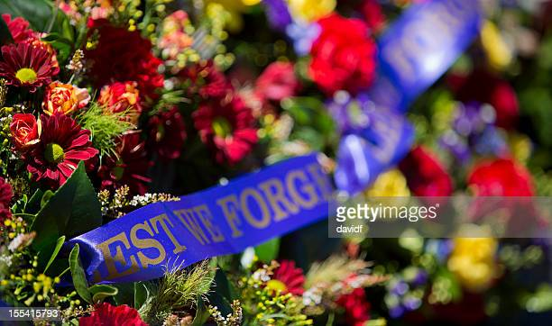 war memorial wreaths - anzac day stock pictures, royalty-free photos & images