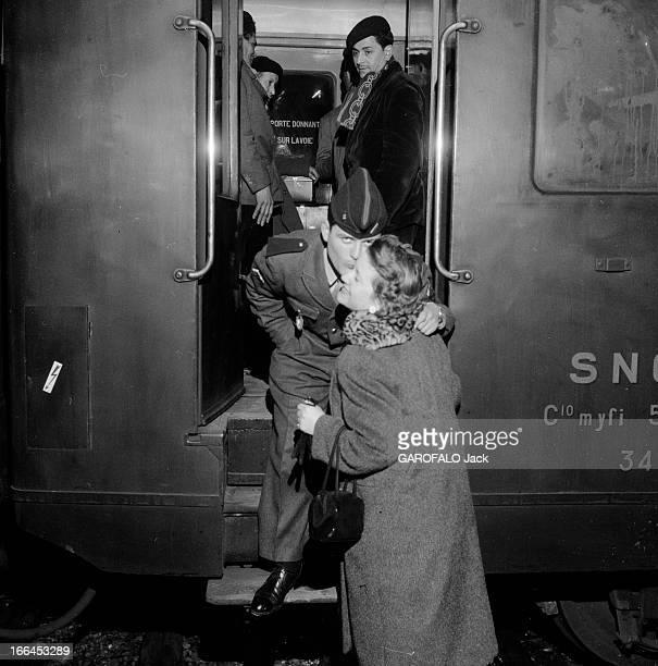 Departure Of Reinforcement For The Front France Marseille 31 mars 1956 des opérations militaires sont menées par l'armée française contre les...
