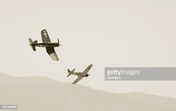 戦争記事-コルセール、ゼロ楽しいひとときを - 第二次世界大戦 ストックフォトと画像