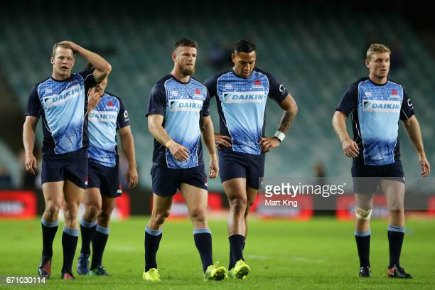 Waratahs backs warm up before the round nine Super Rugby match between the Waratahs and the Kings at Allianz Stadium on April 21 2017 in Sydney...