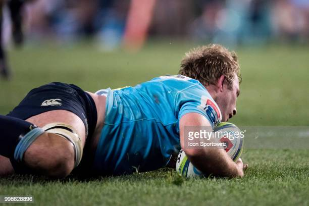 Waratahs player Will Miller scores at week 19 of the Super Rugby between The Waratahs and Brumbies at Allianz Stadium in Sydney on July 14, 2018.