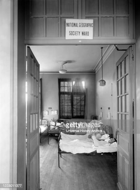 Ward donated by the National Geographic Society in the American Military Hospital No. 1, which is supported by the American Red Cross, Neuilly,...