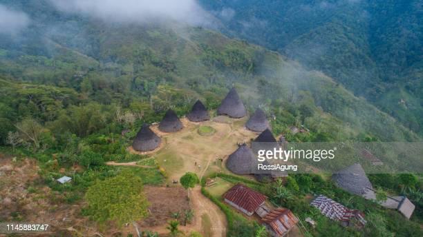 ware rebo village, flores, indonesia - unesco welterbestätte stock-fotos und bilder
