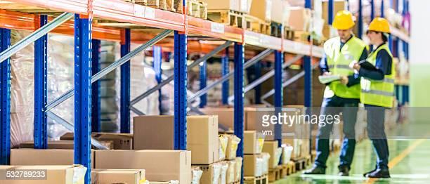 Entrepôt employés de travail