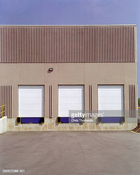 Warehouse facility and shipping doors