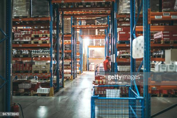 warehouse - science and technology stock pictures, royalty-free photos & images