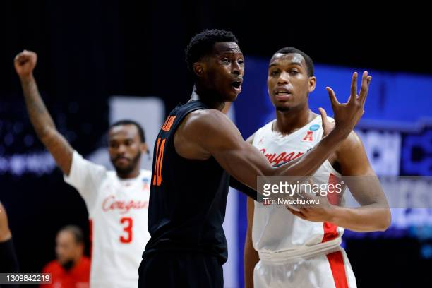 Warith Alatishe of the Oregon State Beavers reacts to a foul call against the Houston Cougars during the second half in the Elite Eight round of the...