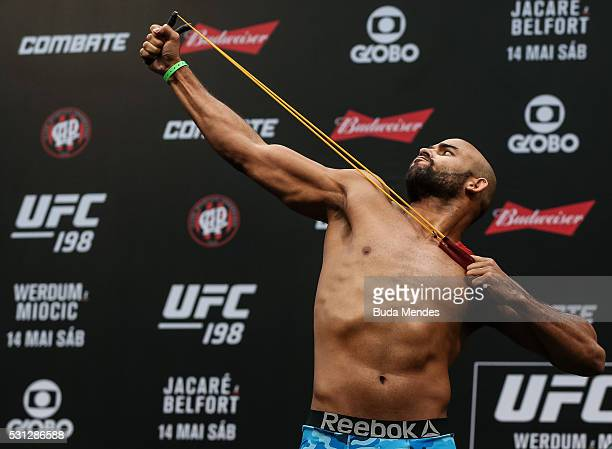 Warlley Alves of Brazil steps on the scale during the UFC 198 weigh-in at Arena da Baixada stadium on May 13, 2016 in Curitiba, Parana, Brazil.