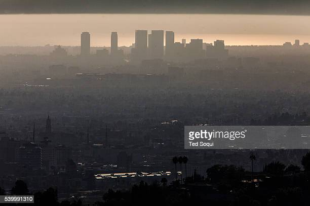 Warm October weather in the Los Angeles basin kept smog levels higher than normal The LA area reported 94 days of unhealthful air this year up from...