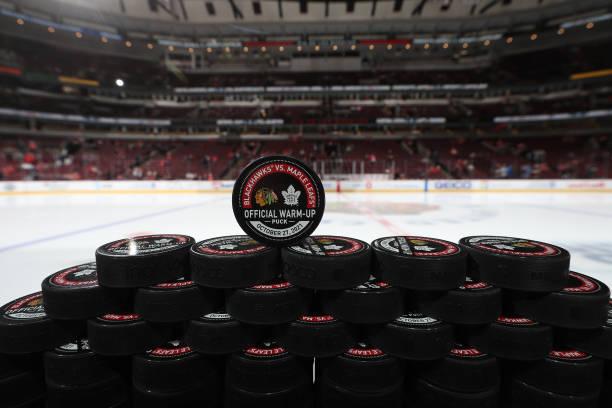 IL: Toronto Maple Leafs v Chicago Blackhawks