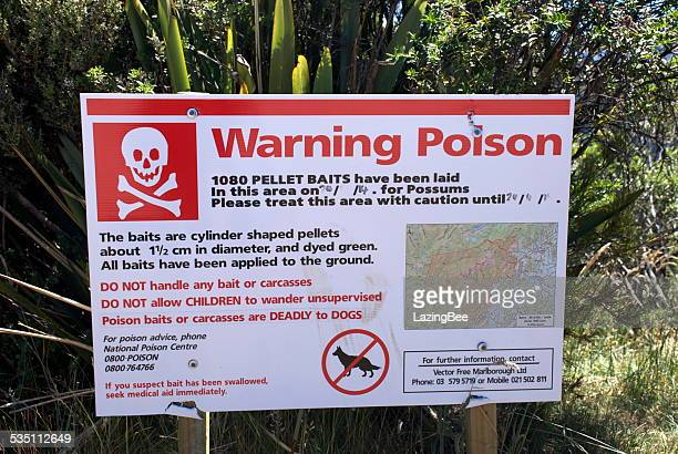 warning poison 1080 sign (sodium fluoroacetate) - kahurangi national park bildbanksfoton och bilder