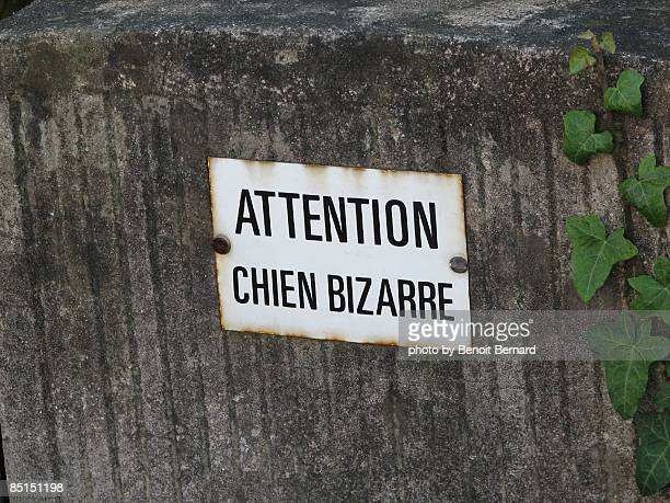 Warning sign (in French)